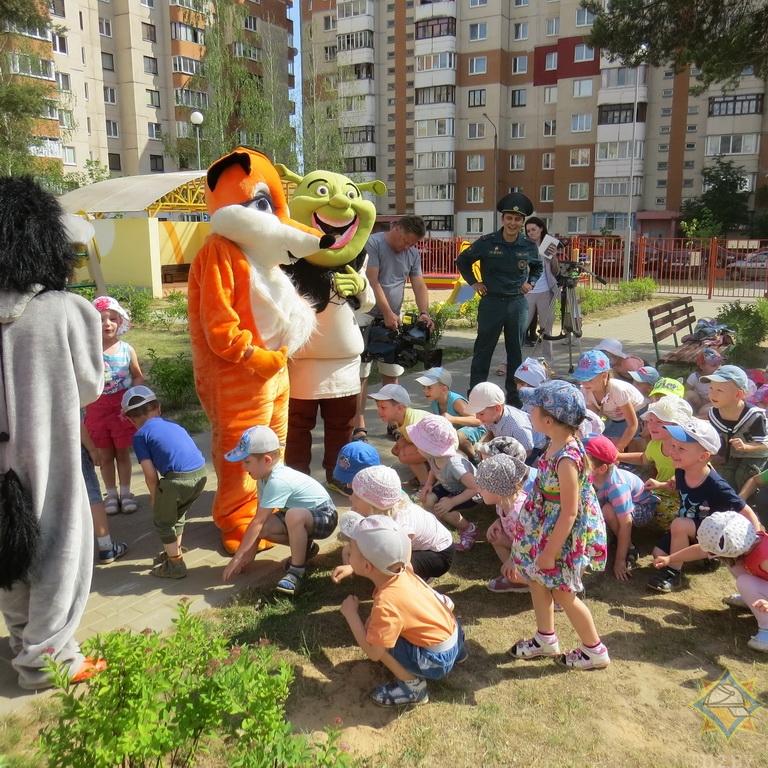Как в Борисове спасатели учат детей правилам безопасной жизнедеятельности 4