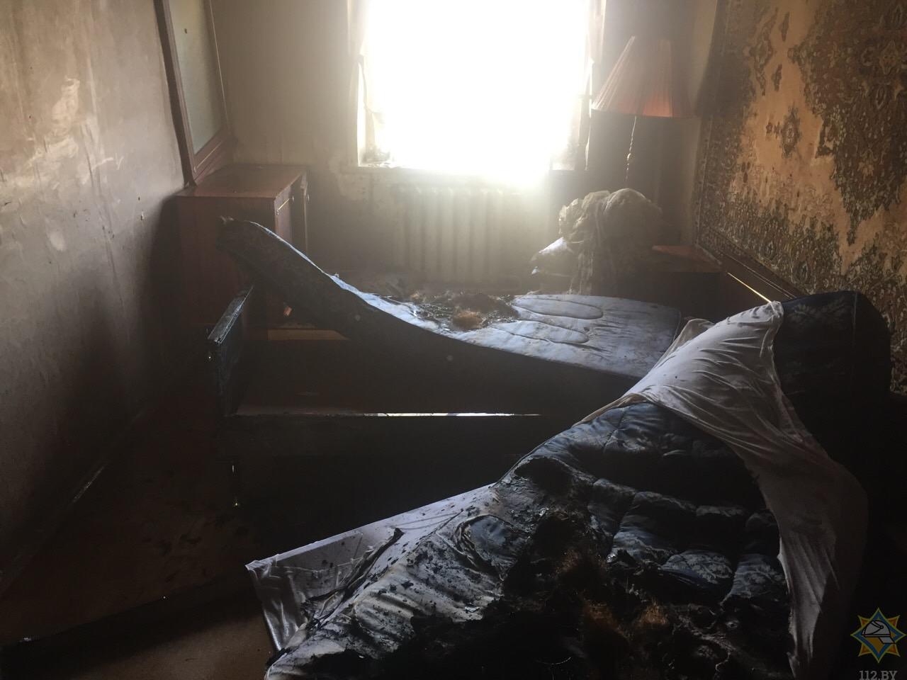 В Борисове горела квартира. Пострадала пенсионерка