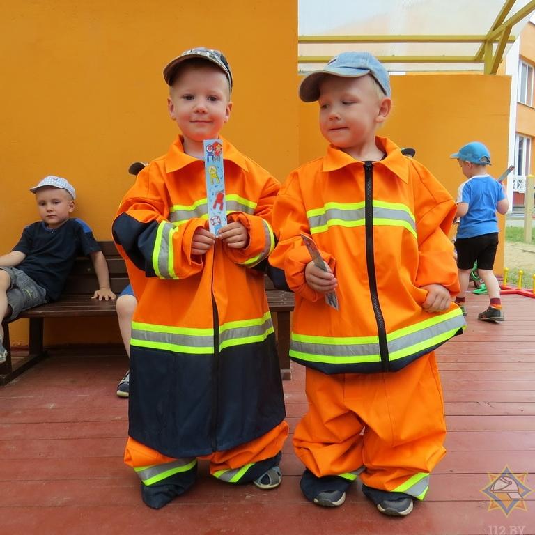 Как в Борисове спасатели учат детей правилам безопасной жизнедеятельности 3