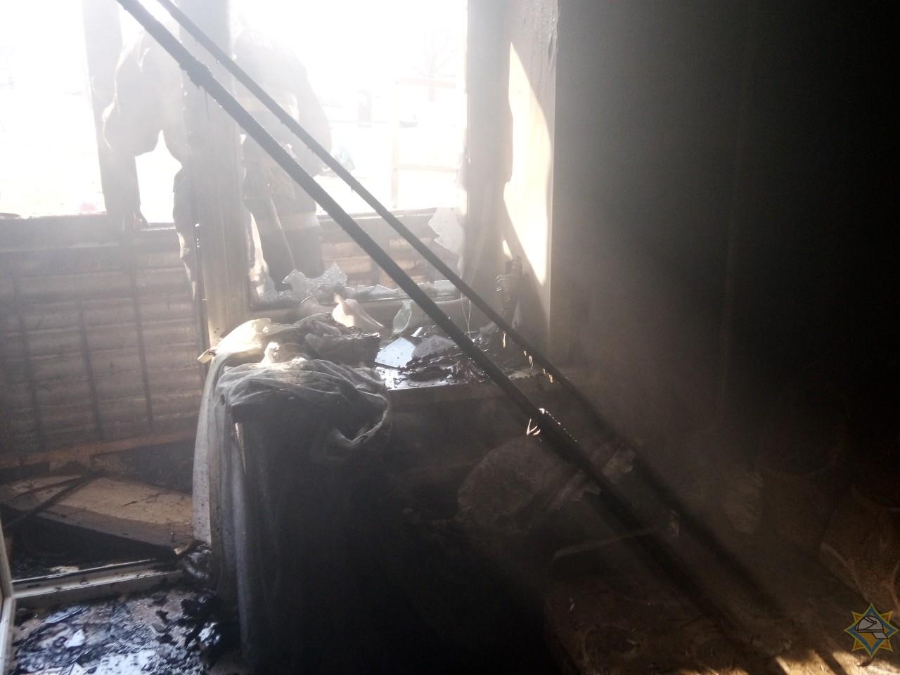 Борисовчанин пострадал при тушении собственного балкона 3