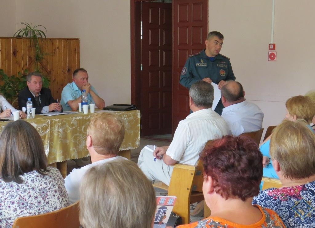 Борисовские пожарные продолжают напоминать о соблюдении правил пожарной безопасности 1